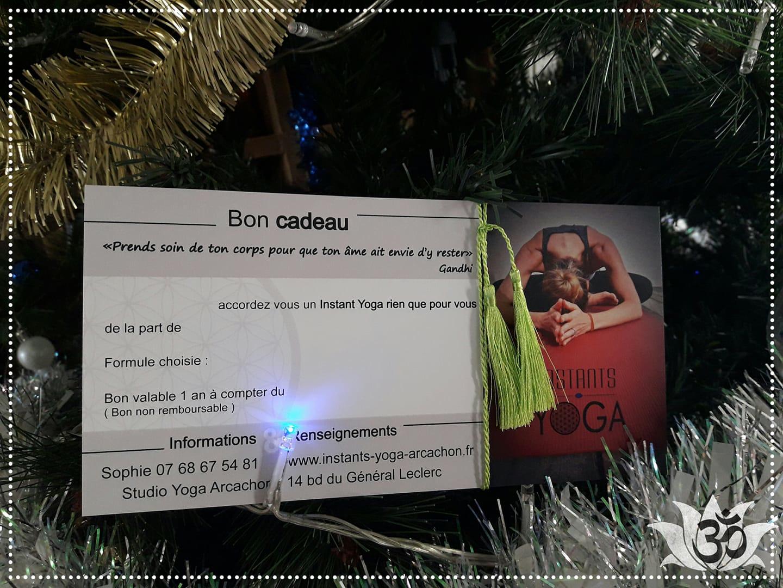 Offrez du Yoga à Noël ! Carte Cadeau pour cours collectifs ou cours privé !